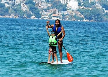 Acapulco Snorkeling & SUP Paddle Boarding with Lunch $75 – $85 USD
